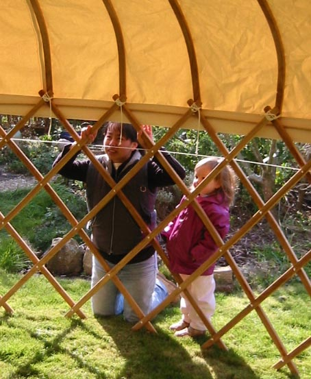 Fitting a yurt Roof - Ratna Matthews